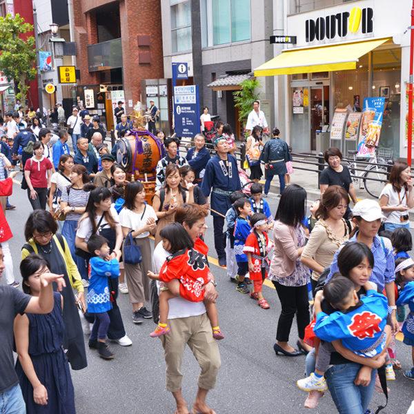 赤坂氷川祭「子供神輿巡行」に行ってみた