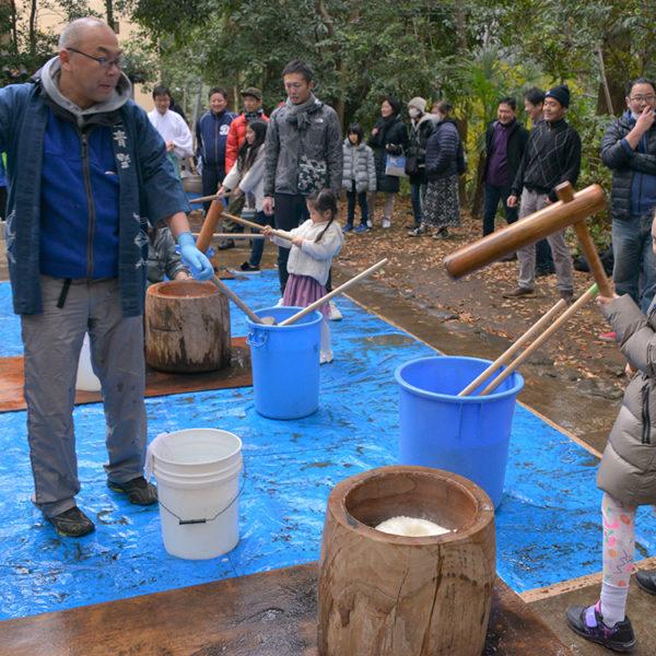 氷川神社の「年神さまお迎え準備~氏神さまでの餅つき大会~」に参加してみた
