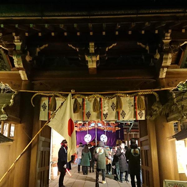 赤坂の氏神様「赤坂氷川神社」に初詣に行ってみた