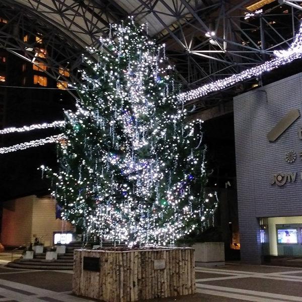 赤坂エリアのイルミネーション(1)アークヒルズカラヤン広場に行ってみた